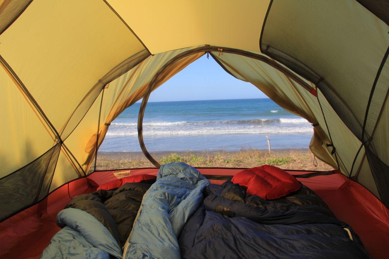Zelt Einrichten Kosten : Camping tent inside